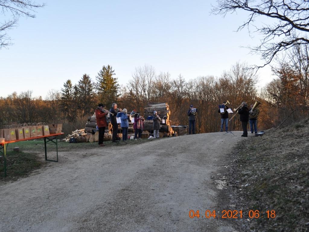 Posaunenchor bei Osterfeuer Enzendorf 2021