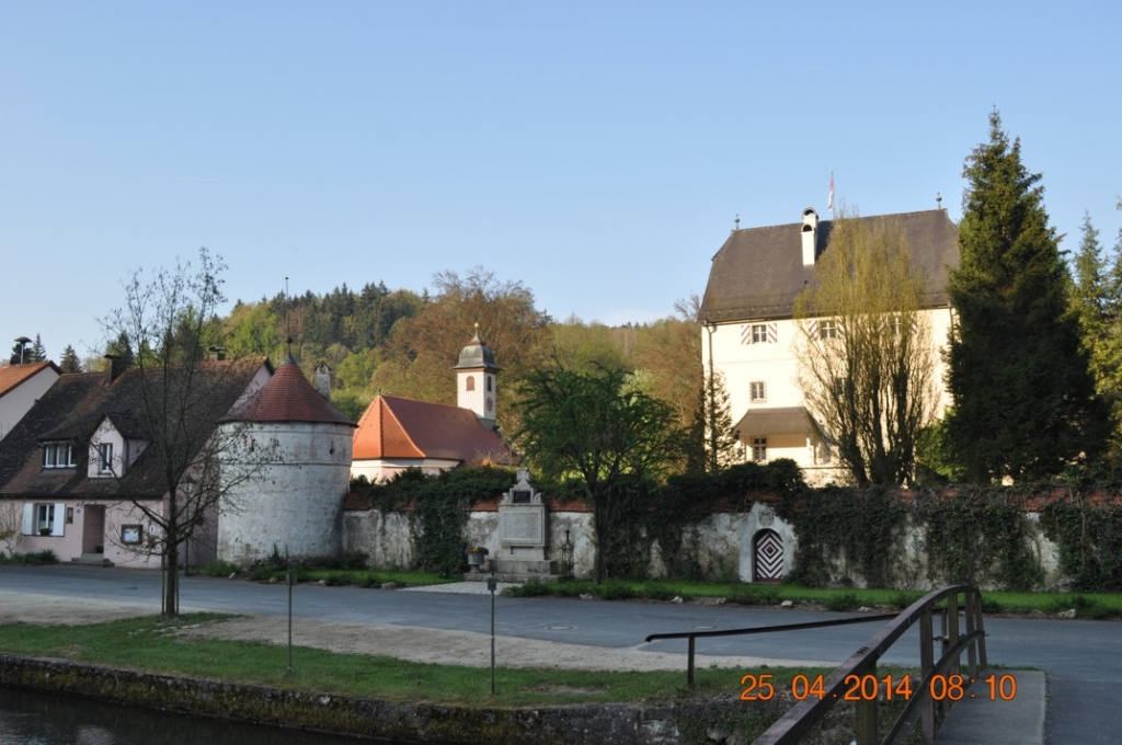 Jokobuskirche und Schloss in Artelshofen